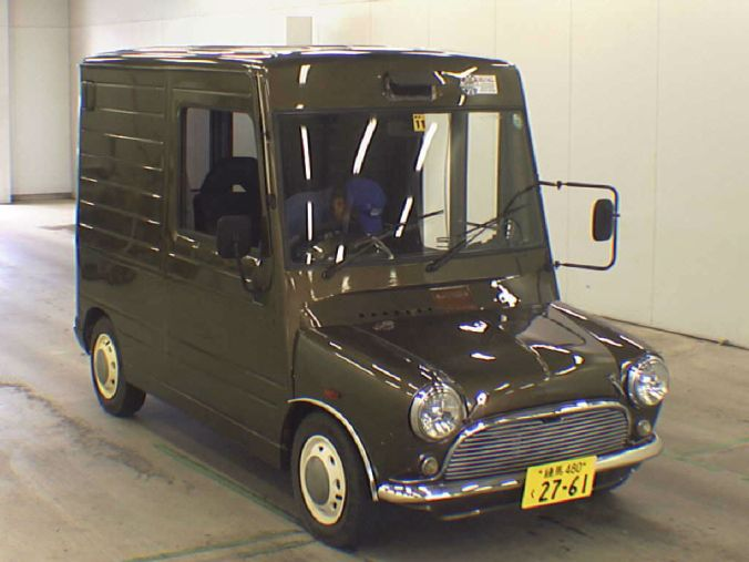 Daihatsu Mira Walk-Through Van & Mini face